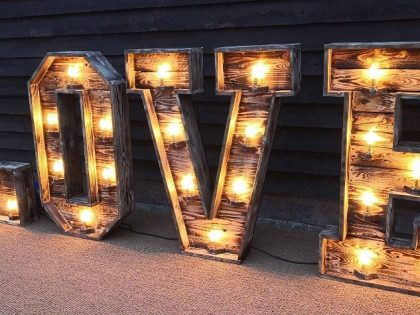 Jigsaw Vintage – Add Some Rustic Vintage to Your Special Day!
